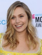 Elizabeth Olsen Wavy Hairstyle 2013