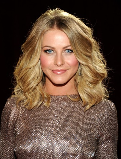 Julianne Hough Wavy Haircuts 2013 Popular Haircuts