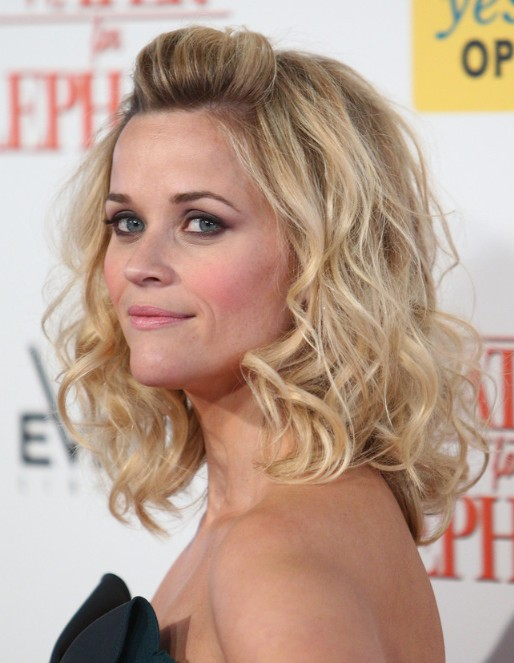 Reese Witherspoon Wavy Hairstyles Popular Haircuts