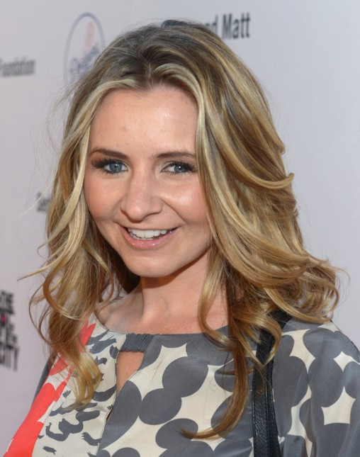 Beverley Mitchell Hairstyles Popular Haircuts