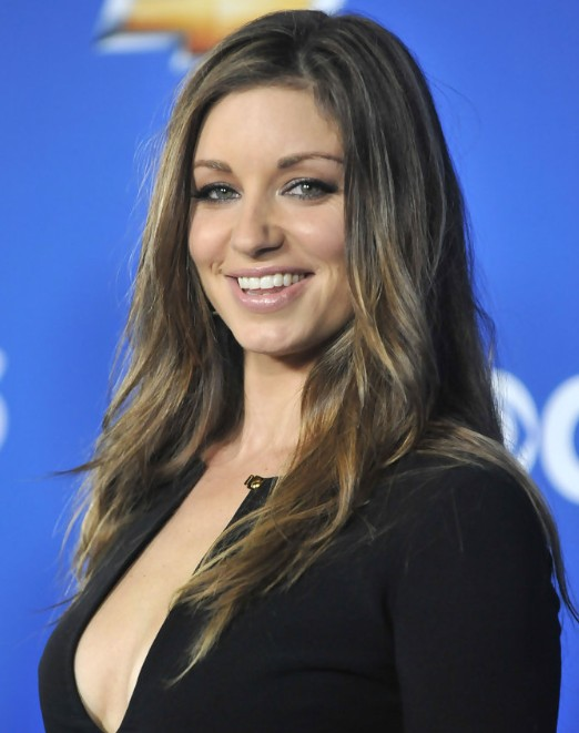 Bianca kajlich hairstyle the pretty layered hairstyle is dressed over