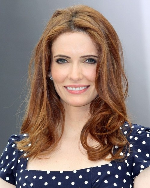 Bitsie Tulloch Hairstyles Popular Haircuts