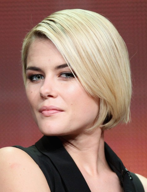 Rachael Taylor Hairstyles Popular Haircuts