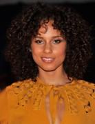 Alicia Keys Brown Medium Curly Hairstyles