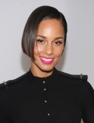 Alicia Keys Straight Short Bob Hairstyles 2013