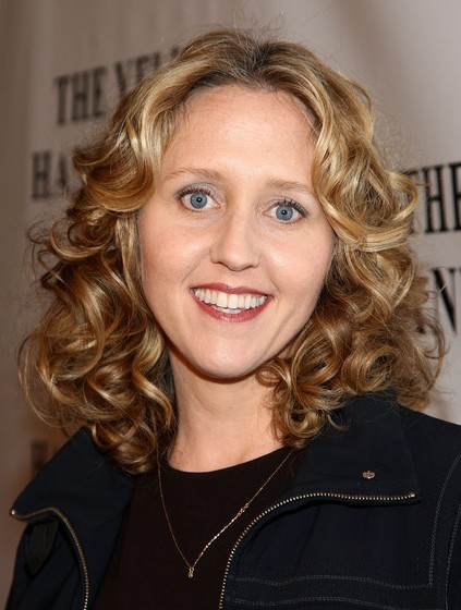 Brooke Smith Medium Curly Hairstyles Popular Haircuts