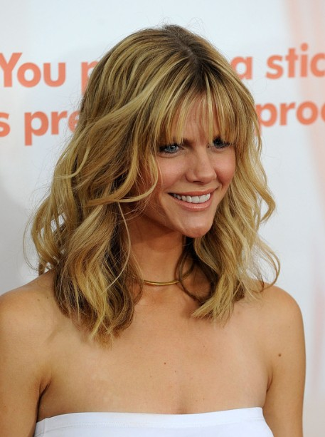 Brooklyn Decker Layered Wavy Hairstyles 2013