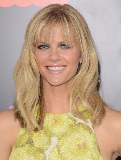 Brooklyn Decker Medium Layered Hairstyles With Blunt Bangs