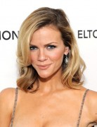 Brooklyn Decker Trendy Medium Wavy Hairstyles