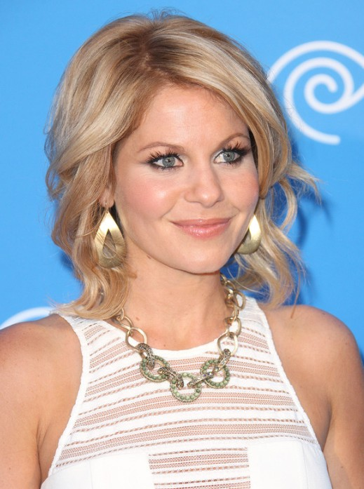 Candace Cameron Bure Medium Hairstyles Popular Haircuts
