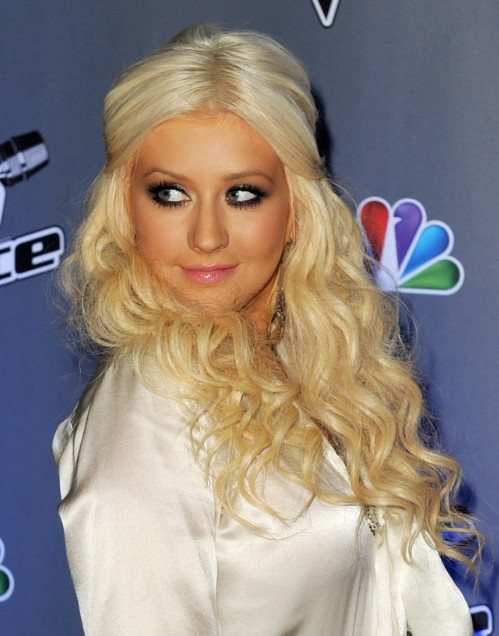 Christina Aguilera Cute Long Curly Hairstyles