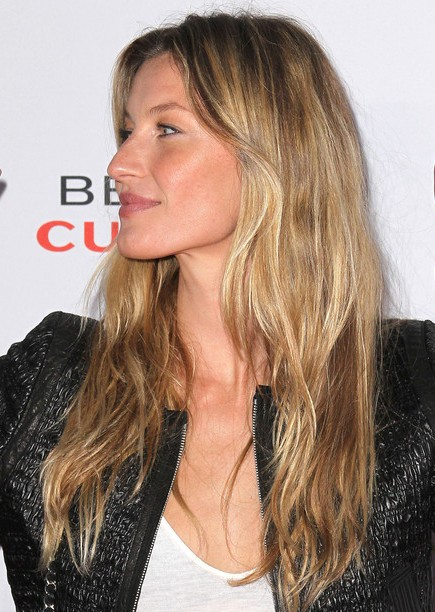Picture of Gisele Bundchen Long Layered Haircuts