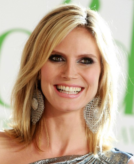 Heidi Klum Blonde Medium Layered Haircuts