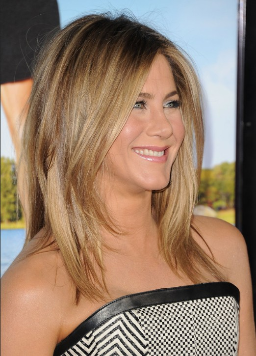 Jennifer Aniston Medium Jagged Hairstyle For Straight Hair Popular