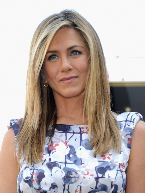 Jennifer Aniston Trendy Medium Straight Haircuts For Layers