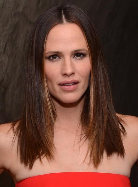 Jennifer Garner Classic Medium Straight Hairstyle