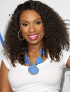 Jennifer Hudson Medium Wave Curly Hairstyles