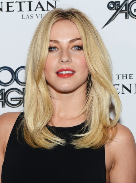 Julianne Hough Blunt Medium Straight Hairstyle Popular Haircuts