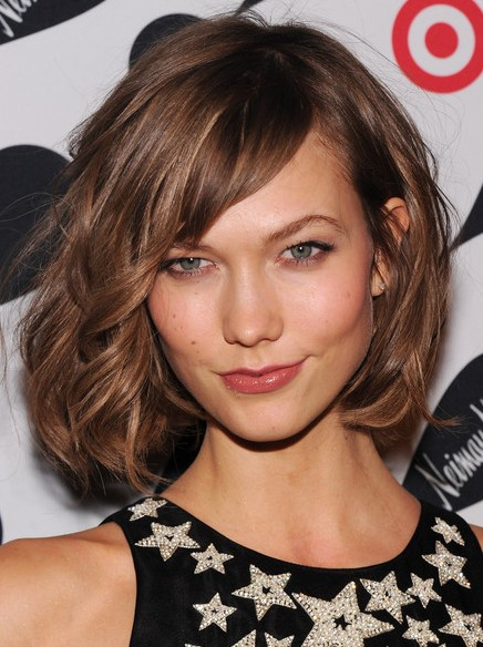 Brown Short Curly Hairstyles with Side Bangs: Karlie Kloss Haircuts ...