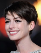 Anne Hathaway Short Straight Haircuts 2013