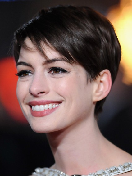 Anne Hathaway Short Straight Haircuts 2013