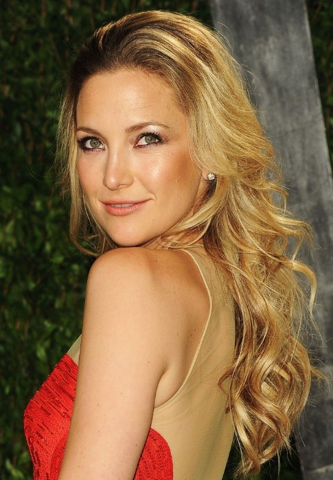 Kate Hudson Voluminous Curly Hairstyles for Long Hair