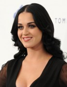 Katy Perry Big Waves Hairstyle for Long Hair 2013