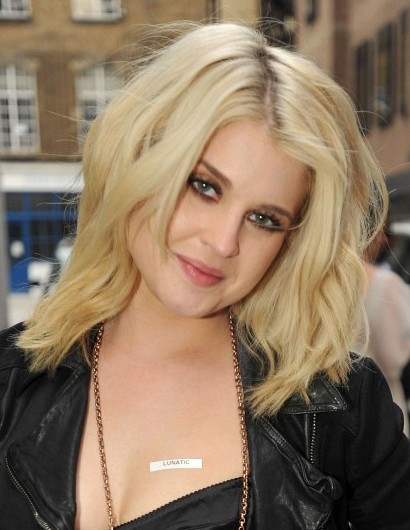 Kelly Osbourne Blonde Medium Layered Haircuts