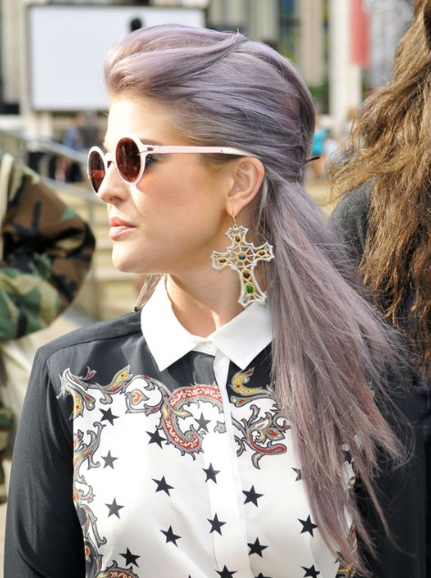 Kelly Osbourne Half Up Half Down Hairstyle Popular Haircuts