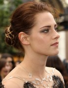 Kristen Stewart Updo Hairstyles for Prom 2013