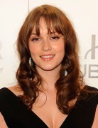 Leighton Meester Loose Waves Shoulder Length Hair Styles