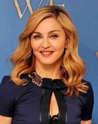 Madonna Medium Wavy Hairstyles for Blonde Hair - PoPular Haircuts