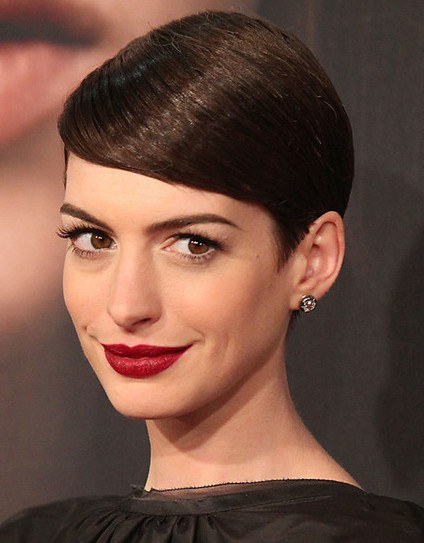 Short Pixie Haircuts for Straight Hair: Anne Hathaway Hairstyles ...