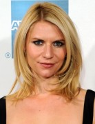 Claire Danes Blonde, Layered, Easy Medium Haircuts 2013