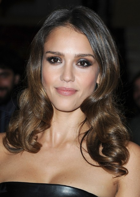 Jessica Alba Curly Hair Styles Popular Haircuts