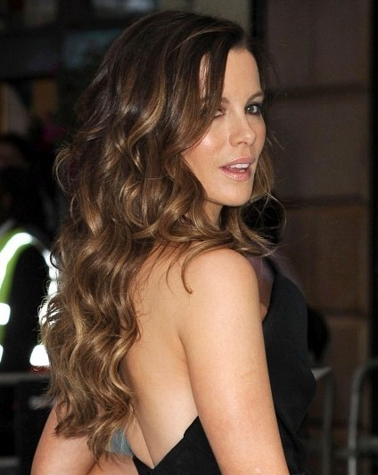 Kate Beckinsale Wavy Hairstyle For Women Popular Haircuts