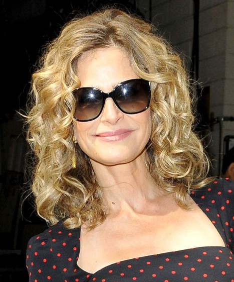 Kyra Sedgwick Curly Medium Haircuts Popular Haircuts