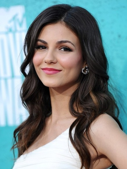 Long thick wavy hairstyles victoria justice hair cut bauer griffin