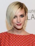 Kurze, blonde Bob-Frisuren mit Seitenknallen, Ashlee Simpson Wentz-Haar