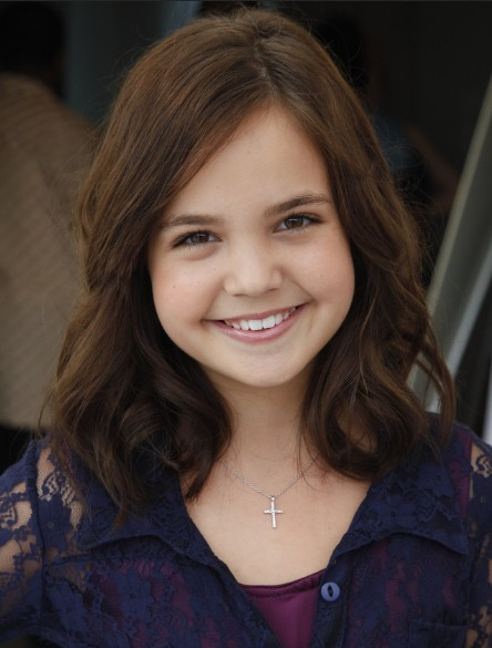 Bailee Madison Soft Curls Hairstyle Girls Haircuts