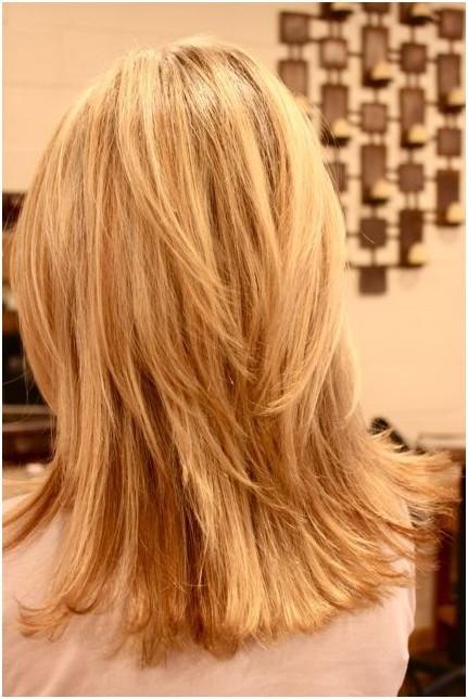 Blonde,Layered Hairstyles,Blunt Medium Haircut