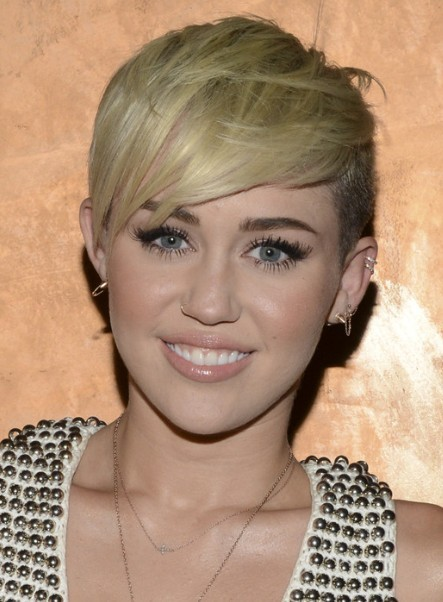 Miley Cyrus, Blonde Pixie Hairstyle, Very Short Haircuts