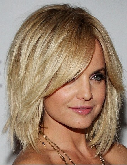 Medium Layered Bob Hairstyle with Bangs