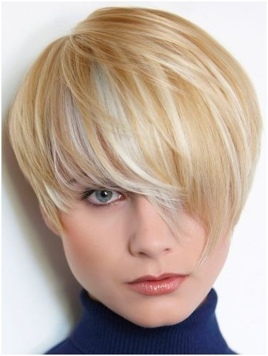 Razor Cut Layers Short Blonde Hair
