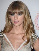 Soft Wavy Hairstyles for Blunt Bangs, Taylor Swift Long Hair