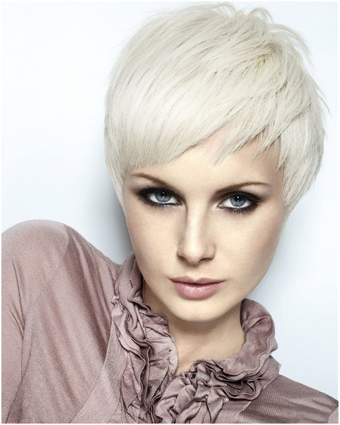 Straight Layered Razor Pixie Haircuts Smooth Short Hair