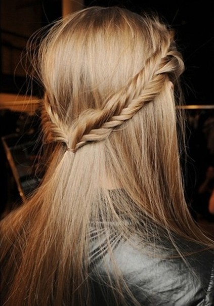Top Fishtail Braid Half-Up Hairstyle 423 x 605 · 65 kB · jpeg