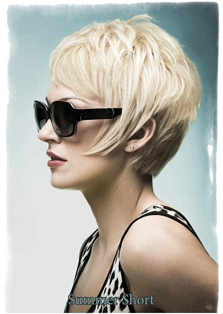 Summer Hairstyles for Short Hair, Blonde Layered Haircut