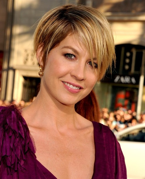 Short Layered Haircut Pixie Hairstyles Popular Haircuts