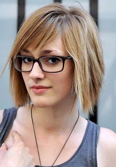 Short Hairstyles for The Office, Straight Hair